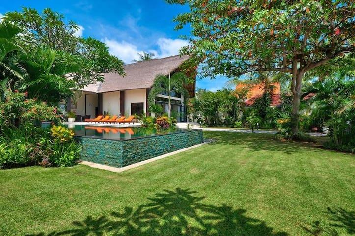 Luxury 5* Beach Villa