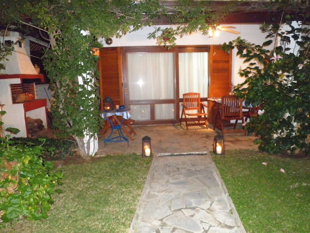 Quiet cozy seashore villa, Greece - Porto Hydra - House
