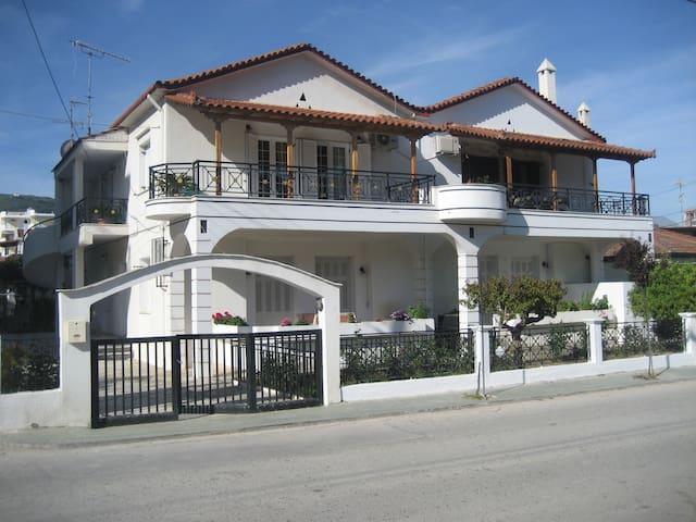 Σπίτι στη θάλασσα - Ξυλόκαστρο - House