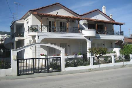 Σπίτι στη θάλασσα - Ξυλόκαστρο - Casa