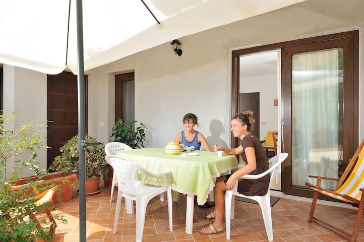 Casa vacanze a 300 metri dal mare. - Santa Maria Navarrese - Leilighet