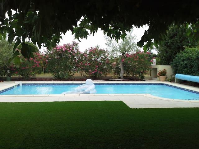 T2 climatisé avec piscine - Saint-Génies-des-Mourgues - Apartament