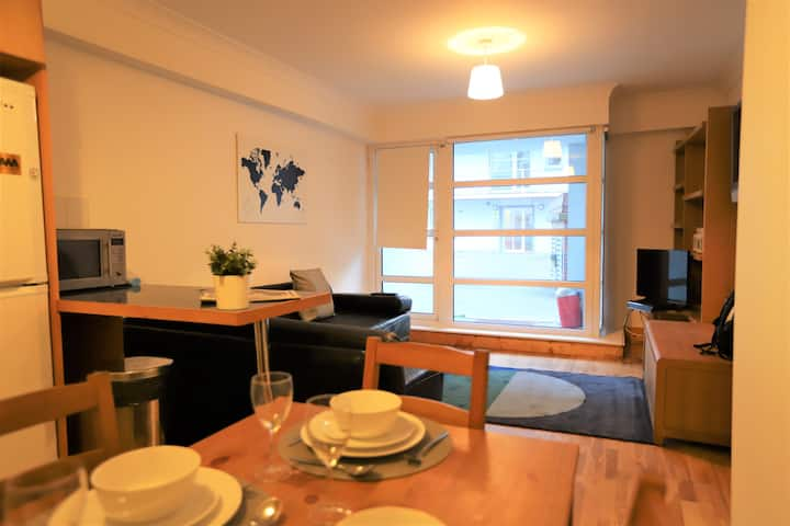 2 Bed with parking by Kilmainham