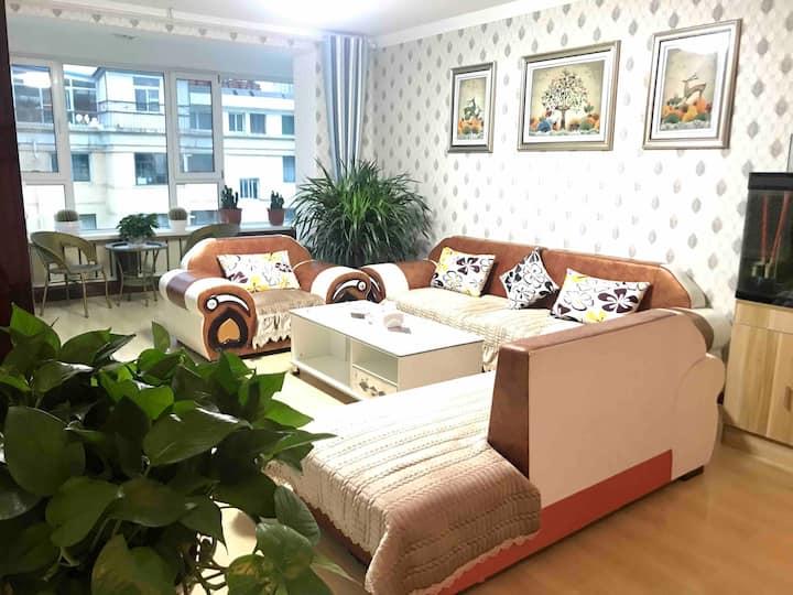 萤火虫之家-复式五居室麻将房+大平台+空间超大230平