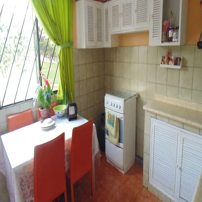Cocina espaciosa y comoda