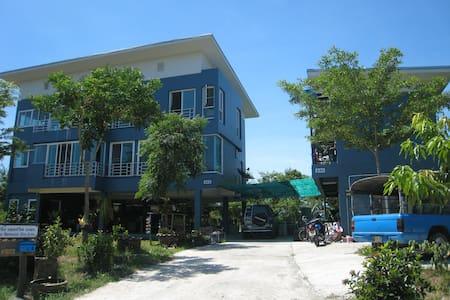 บ้านวิวทะเลสาบชานเมืองกรุงเทพ - Bangkok