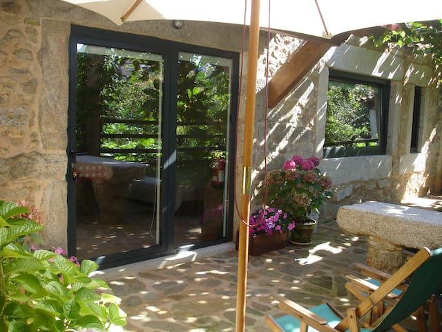 Casas da Calçada-Estúdio c/ jardim - Caminha