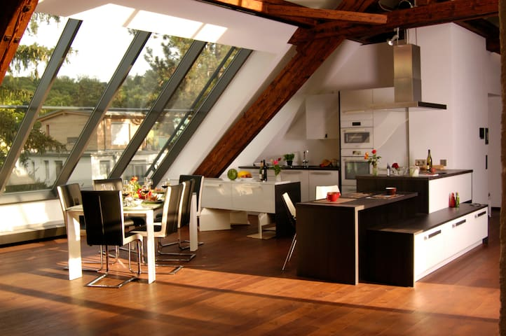 Loft near downtown 236 m², 6 per.