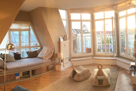 Central Penthouse, View & Balcony - Berlin - Apartment