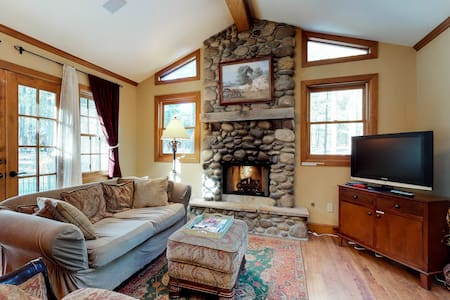 Luxury home set on private, secluded property - gas fireplaces & valley views!