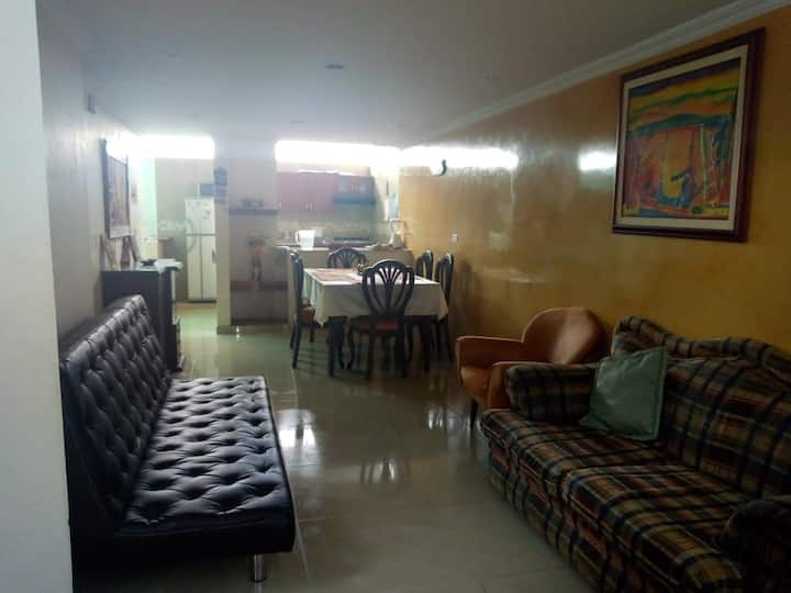 Paipa Boyacá Casa tres pisos, amplia y bonita