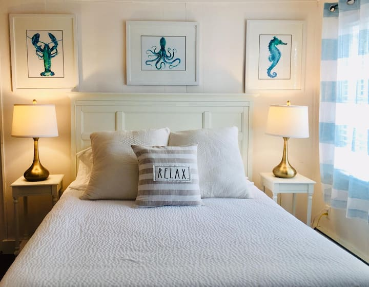 The Quivett Room at Sesuit Harbor House