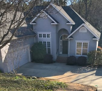 Easy Masters Rental-Fast WIFI, Cable & No Traffic - North Augusta - Hus