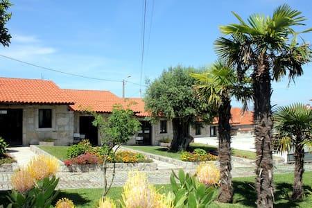 Casas em pedra inseridas em Quinta-> Casa 1-T1 - Viana do Castelo - Haus