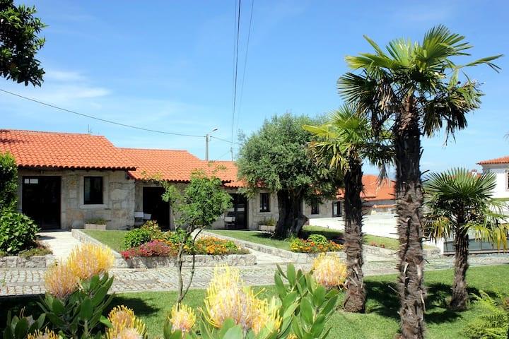 Casas em pedra inseridas em Quinta-> Casa 1-T1