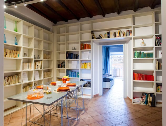 PANTHEON*****LARGE APARTMENT IN THE HEART OF ROME