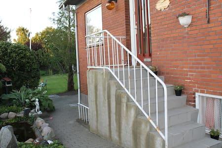 Villa in the suburbs of Aarhus - Solbjerg - Ev