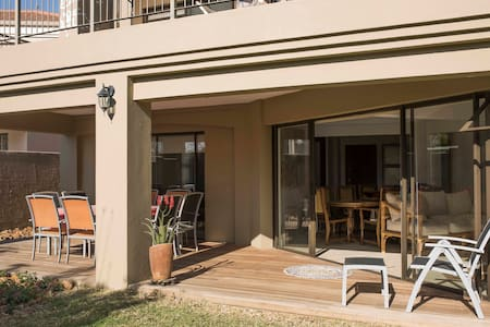 Relax in a safe country estate home - Hartbeespoort - Casa