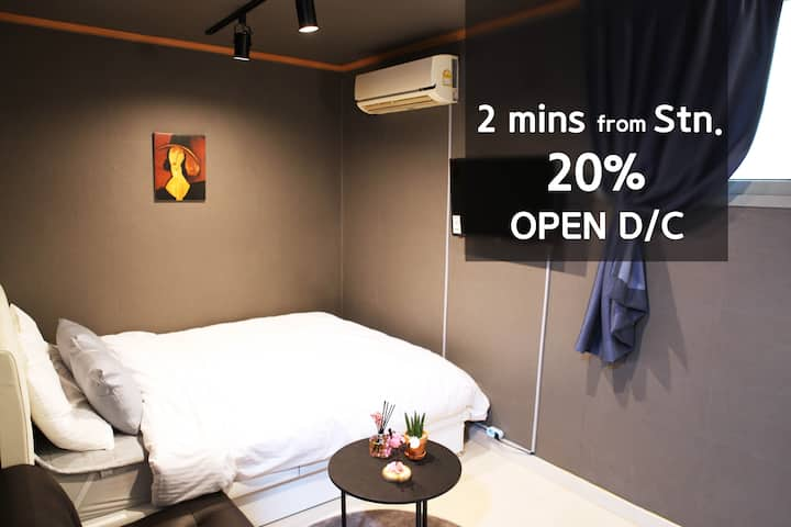 [Shinchon/Ewha] from 2 mins stn/ 20%off (unit 102)