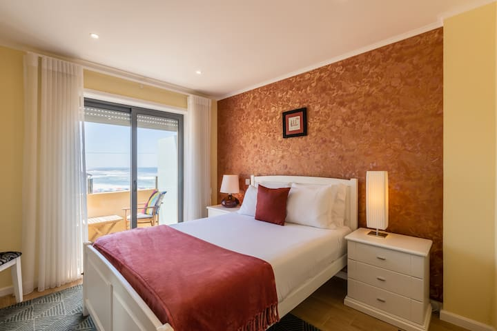 Bedroom with Double-Bed, Wardrobe and Balcony with Sea View