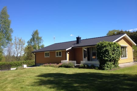 Quiet country house near sea&forest - Stora Askerön - House