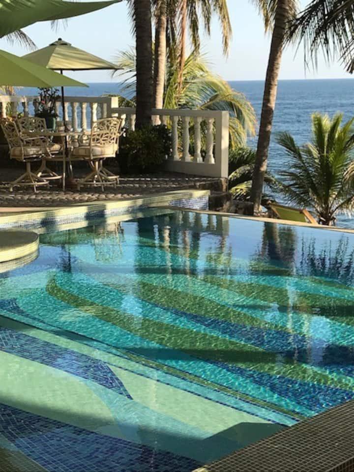 Luxurious BeachFront B&B / Spa
