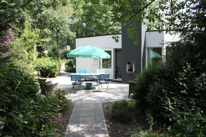 Kindvriendelijke bungalow in Erm, Drenthe. - Erm - Kabin
