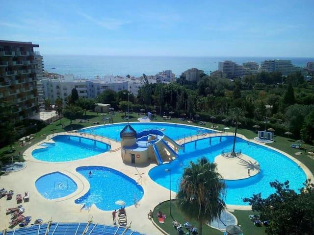 Cap 4 huéspedes + 2 piscinas todo el año (MINERVA)