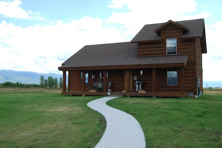Mountain Home with Grand Teton View - Driggs - House