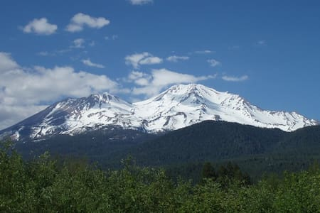 Mount Shasta Creekside Studio - Mt Shasta