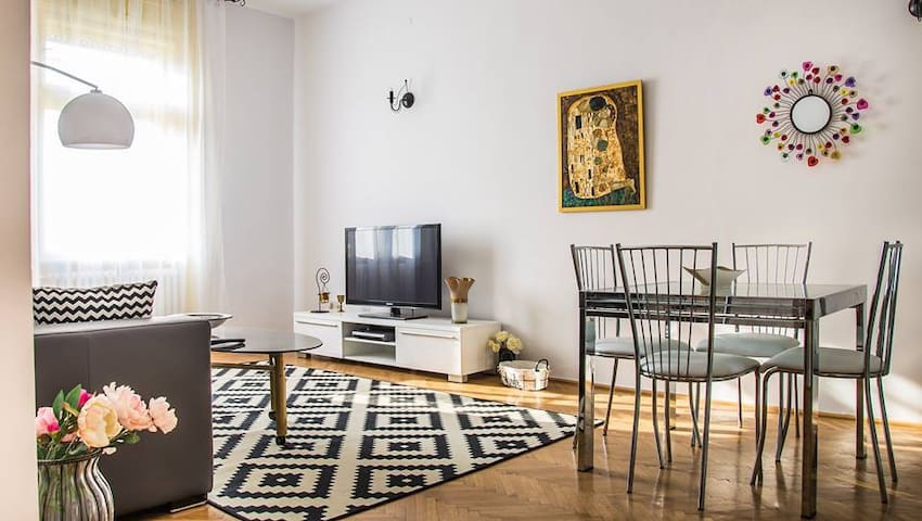 Artistic flat with great view over Victoria Square - Timișoara - Apartament