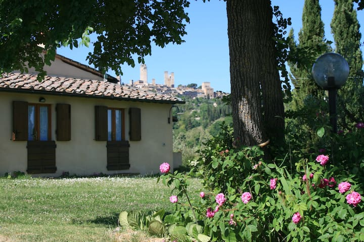 CASALE - Cozy cottage with view over San Gimignano - San Gimignano - Rumah
