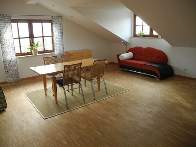 Individuelle Dachgeschosswohnung  bei Ingolstadt