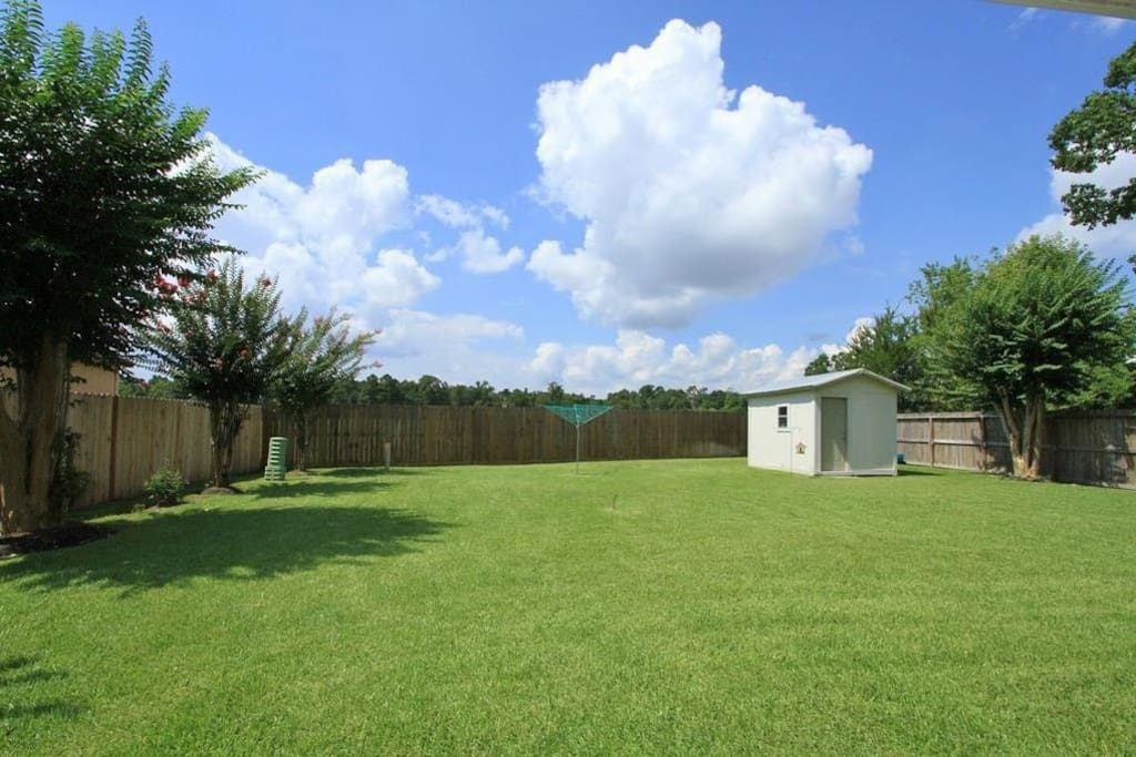 Very cozy home with a huge beautiful backyard.  You'll wake up to enjoy beautiful scenery, a forest and sunrise.