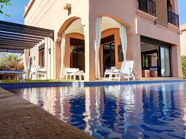 VILLA ILYANA LUXURIOUS WITH HEATED SWIMMING POOL