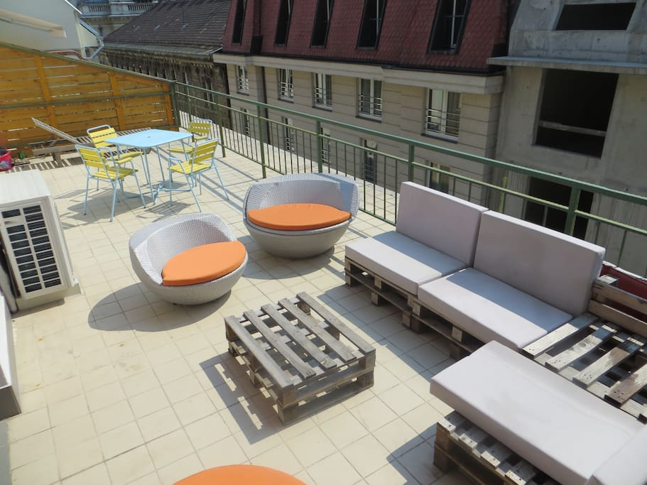 The terrace. Lots of outdoor seating to enjoy your time in Budapest in the sunshine!