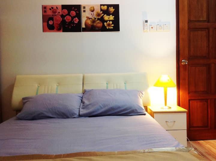 (double bedroom in share house )(Jonker Walk area)