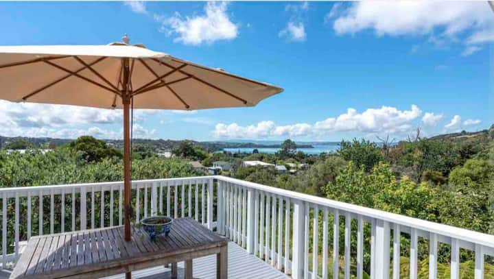 Cloud Nine Cottage. Oneroa, Waiheke Island