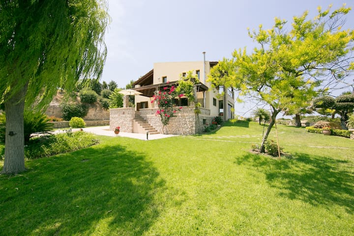 A great Villa for family & friends! - Kamiros, Rhodes - วิลล่า