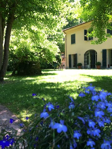 Asti, il Monferrato, le colline Unesco - Asti - House