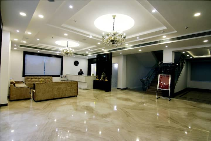 Mango Comfort Hotel Room- Jammu