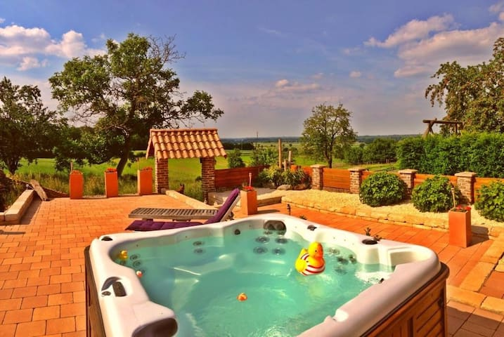 Cozy farm with hot jacuzzi ! - Hillensberg-Selfkant - Wikt i opierunek