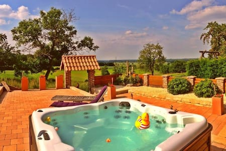 Cozy farm with hot jacuzzi ! - Hillensberg-Selfkant - Bed & Breakfast