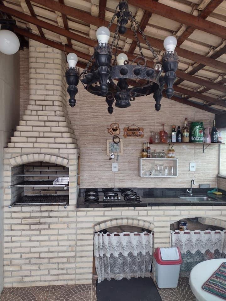 Duplex mobiliado em Alcântara com área gourmet.