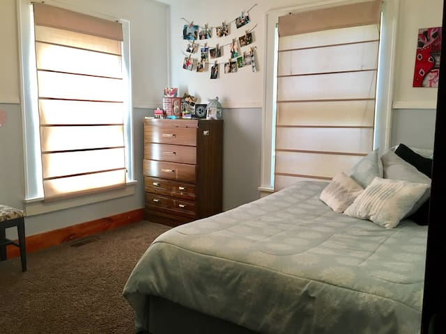 Room for two near Perryville town square