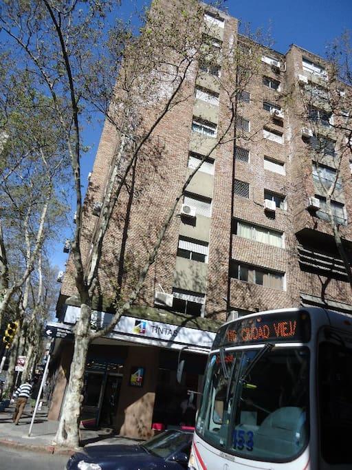 fachada del edificio, apartamento en el 5o. piso