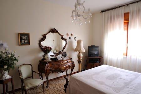 camera matrimoniale+bagno privato casa condivisa - San Giorgio a Cremano