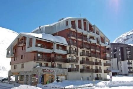Apt 4 pers 1 ch 1 sdb skis aux pieds Val Claret