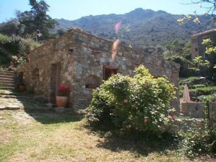 Maison Guadella Repos sous la Pergola