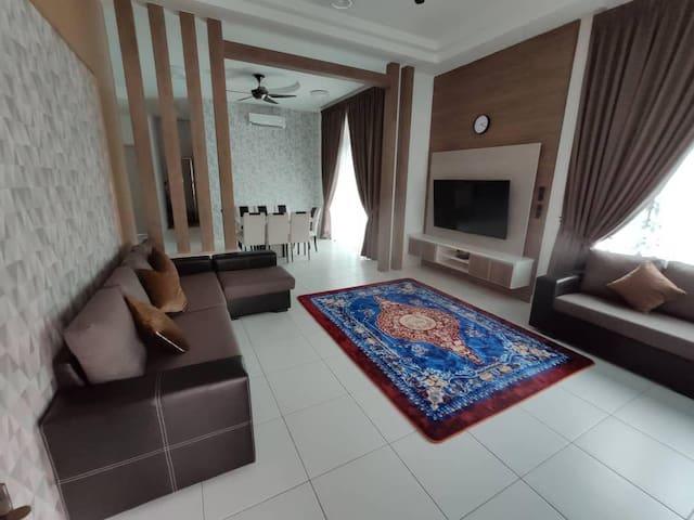 Homestay Ayer Keroh Melaka Fully Aircond + WiFi